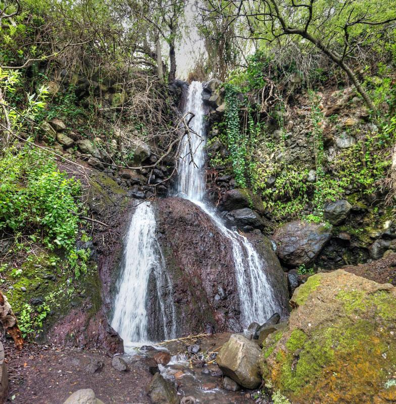 Endpunkt der Falkenschluchtwanderung ist der grosse doppelte Wasserfall