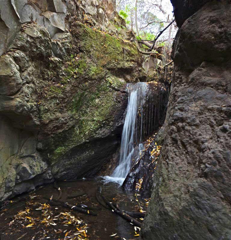 Kleinerer Wasserfall im hinteren Teil der Falkenschlucht