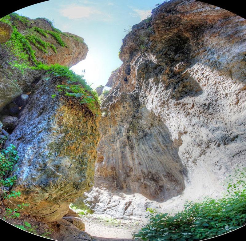 Tief eingeschnittener Canyon in der Falkenschlucht