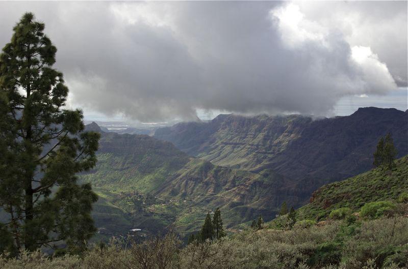 Blick auf das Tal von Tirajana mit Santa Lucia, das Tal von Fataga bis zur Küste von Meloneras