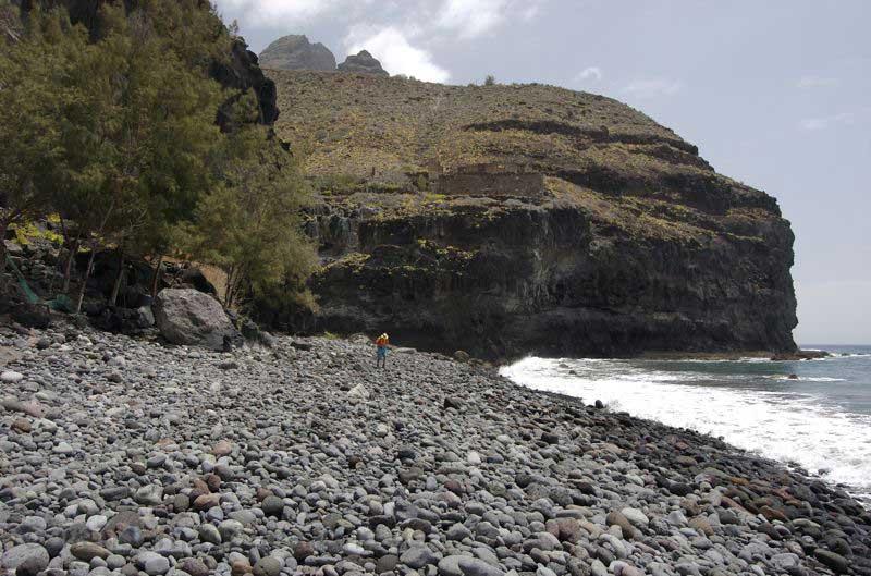 Playa de Gui Gui Grande im Winter mit vielen Steinen