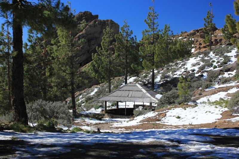 Schnee am Pico de las Nieves auf einer Wandertour.