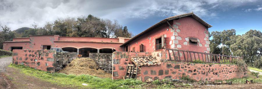 Stall im typisch kanarischem Stiel beim alten Landgut von Osorio