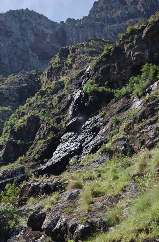 Kleiner Wasserfall an den Riscos de Tamadaba