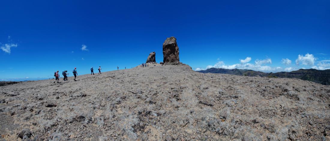 Plattform des Roque Nublo mit dem Frosch und dem Felsen des Nublo