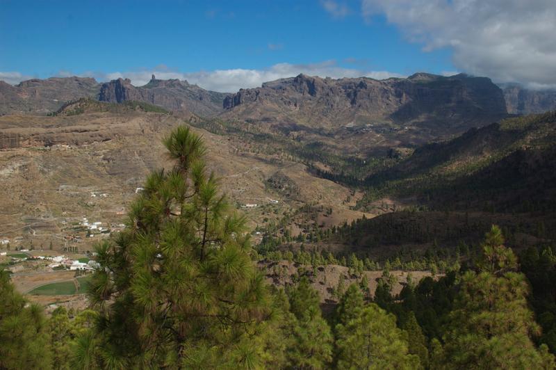 Ausblick auf das Zentrum von Gran Canaria mit dem Roque Nublo