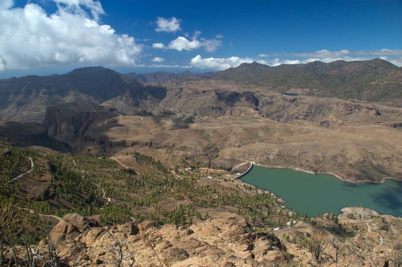 Stausee von Chira mit Blick auf den Südwesten, Montaña de Tour