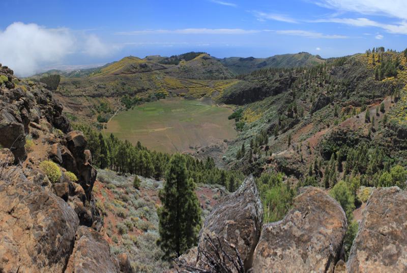 Blick auf den Vulkankrater, Caldera de los Marteles, Gran Canaria Osten