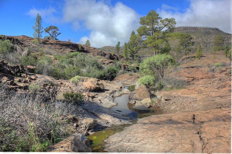 Überreste eines Baches auf trockenen Felsen, Hochfläche Gran Canaria Südwesten
